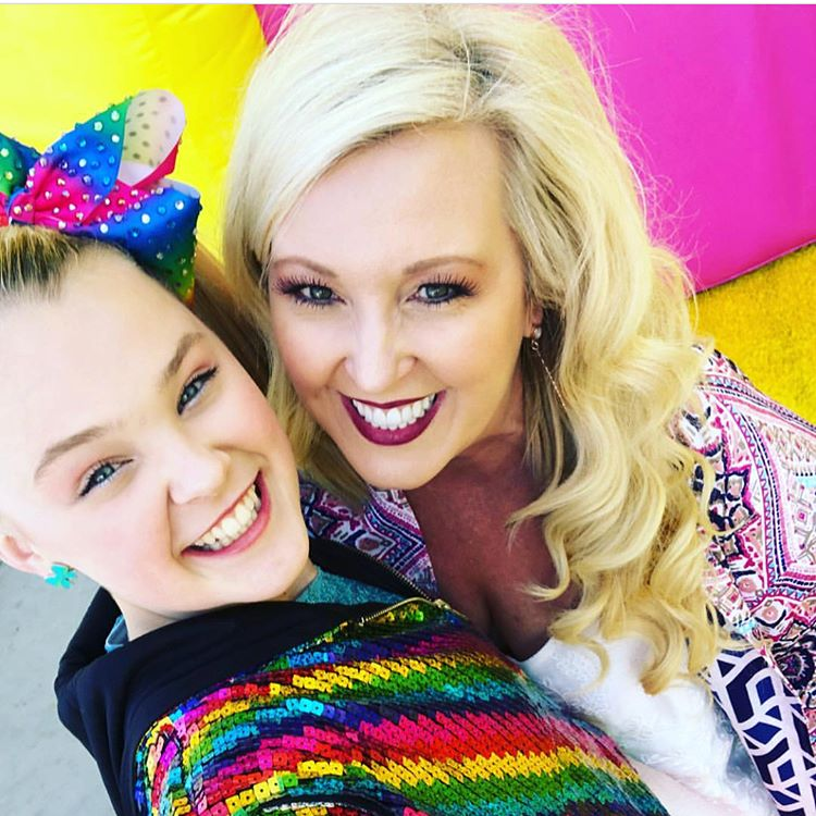 jojo siwa mother