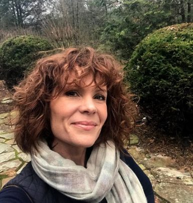 Robyn Lively biography