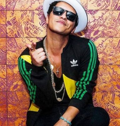 Bruno Mars family in detail: parents, siblings, girlfriend - Familytron