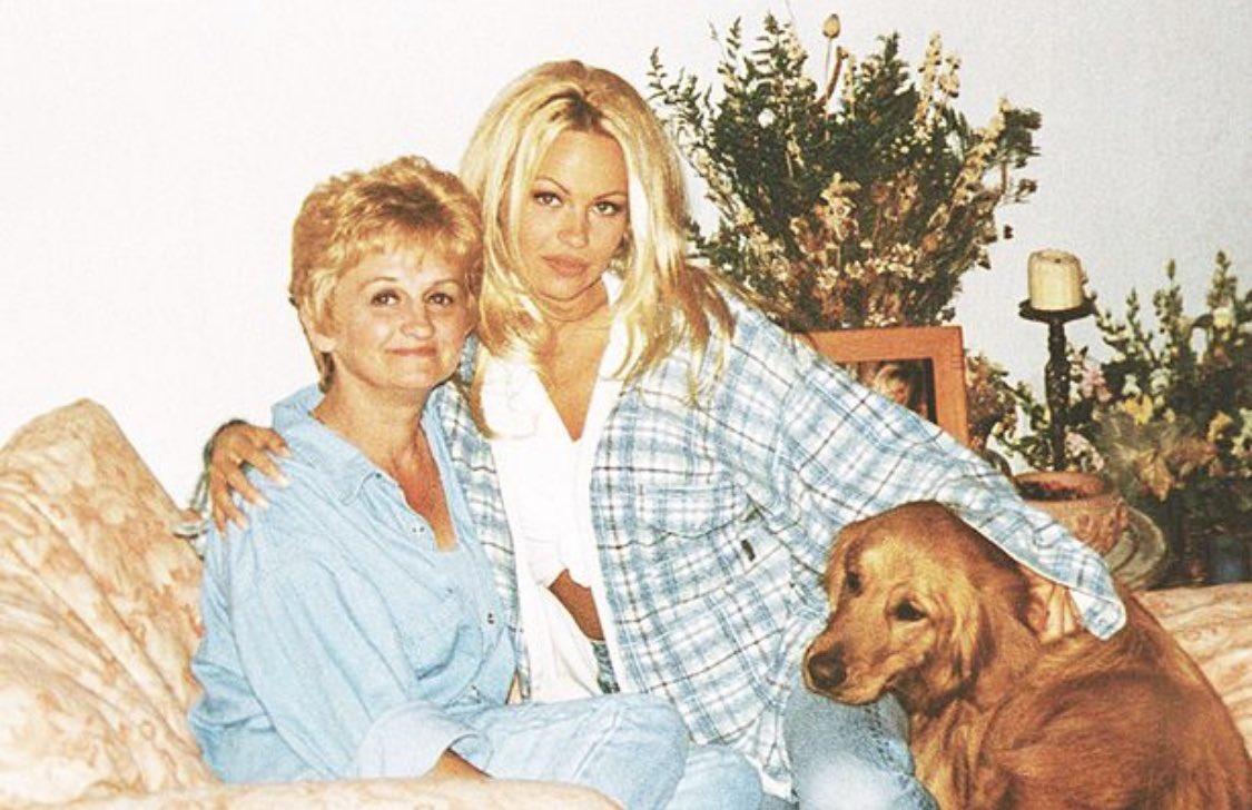 Carol Grosco-Anderson mother Pamela Anderson