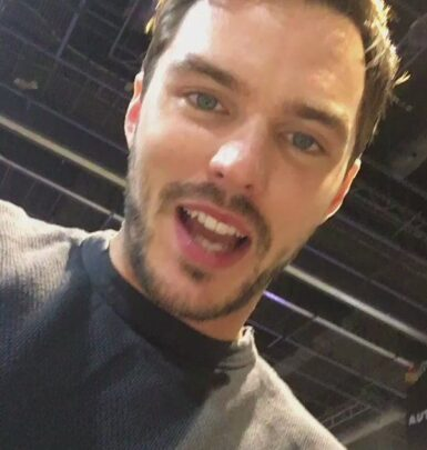Nicholas Hoult biography