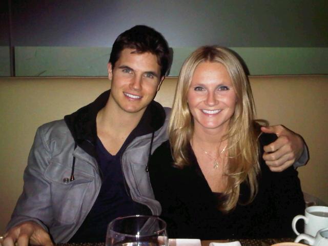 Jamie Burke sister Robbie Amell